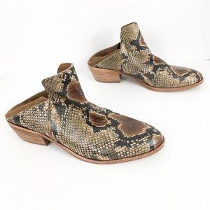 Sam Edelman Snakeskin Booties in EUC size 8
